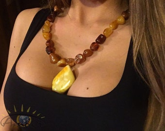 Exoteric Amber necklace
