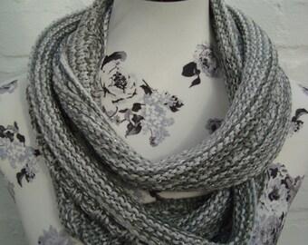 Loop scarf beige silver