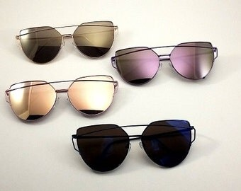 Fashionable sunglasses available in four colors