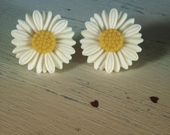 Daisy oversized earrings disney