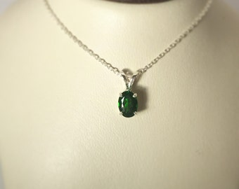 Chrome Diopside solitaire pendant in 925 sterling silver