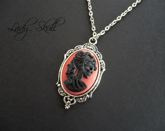 Skull cameo necklace - Black and red on silver