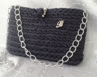 Clutch or hand and shoulder, trapillo crochet bag