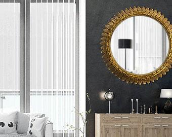 Round mirror. 30