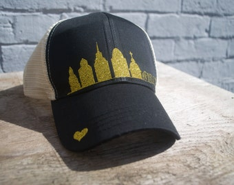 Philly Skyline -Black/Gold