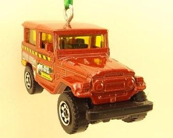 Toyota Land Cruiser - FJ40 Christmas Ornament - FREE SHIPPING