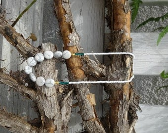 Necklace white, turquoise and gold (* abalzerthing *)