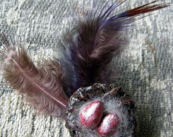 Bird nest Pin (red eggs) Papermache