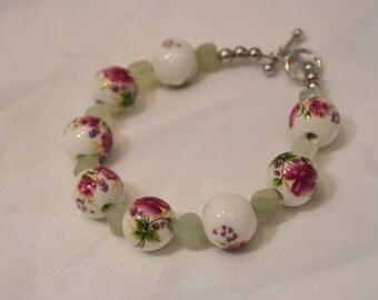HANDMADE FLORAL BEADED Bracelet