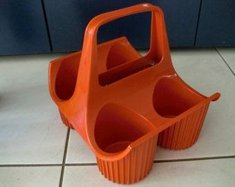 Retro Curver Flessendrager oranje plastic flessenrek retro seventies wijnrek