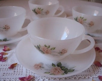 4 cups Arcopal France opaline motif Roses with saucers / tea cups / french coffee mugs.