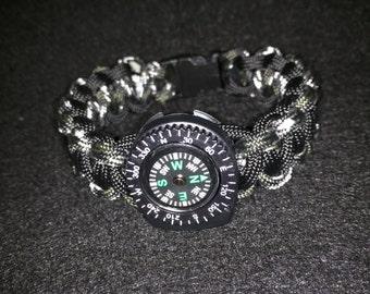 Survival Compass Paracord Bracelet