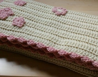 Baby Girl Blanket, Gift for Baby Girl, Baby Blanket, Baby Gift, Cream Baby Blanket, Cream and Pink Baby Blanket, Crochet Baby Blanket