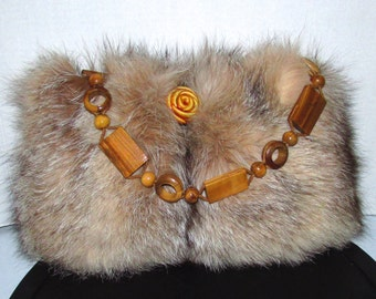 Superbe sac  à main en fourrure de renard cristal