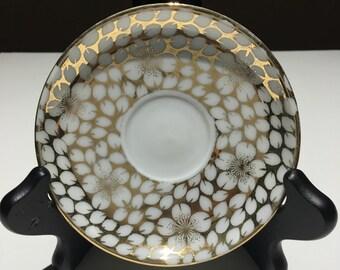 Vintage teacup / demitasse saucer