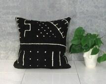 Black and White Mudcloth Pillow Cover / African Mud Cloth Bogolanfini Geometric Cotton Linen Neutral Decor Organic Statement Ethnic Bedding