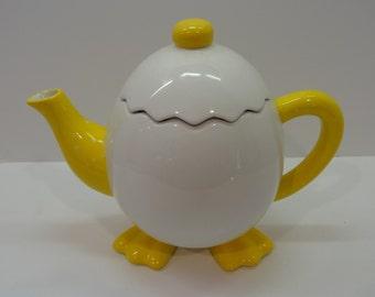 GANZ  EGG tea pot with feet