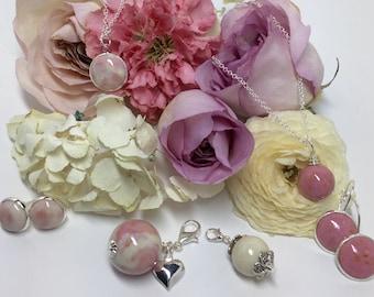 Memorial and keepsake flower petal jewelry