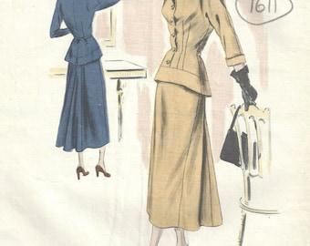 1948 Vintage VOGUE Sewing Pattern B34 DRESS (1611)  Vogue 420