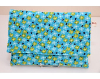 Cover cover quilted turquoise cotton designs with small flowers, lined cotton.