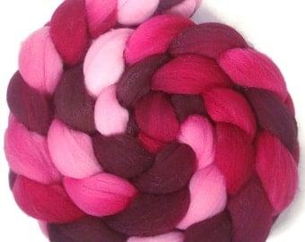Handpainted Targhee Wool Roving - 4 oz. VICTORIA - Spinning Fiber