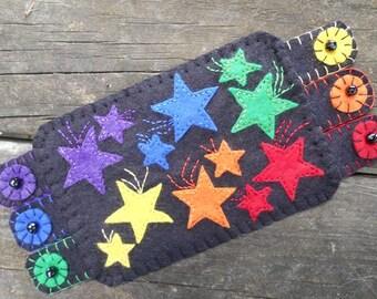 Embroidery Art, Rainbow mug  rug, Rainbow color stars Mug Rug, Coffee Coaster, wool felt coaster