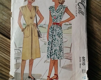 Vintage 1940s Pattern Dress McCall 6910 40s Housedress Day Dress B33 2016189