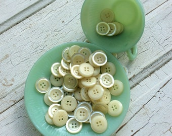 """Almond Buttons,Vintage Creamy White Button,Off White,Antique White,Buttery,Set of 18,Concave Center, 7/8"""" Diameter"""