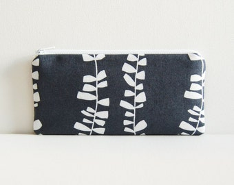 Long Zipper Pouch Coin Purse Lovisa in Grey Lotta Jansdotter Studio Collection