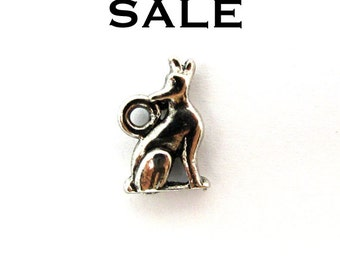 Vintage Antiqued Rhodium Plated Howling Wolf Charms (8X) (V172) SALE - 25% off