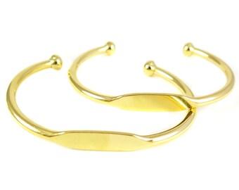Gold Plated Engraving Cuff Bracelet (J610-C)