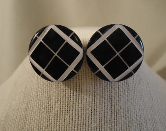 Navy Dark Blue White Argyle Diamond Shapes Round Shaped White Lines Pierced Earrings Vintage 1980's Costume Jewelry Accessories