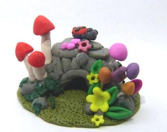 Whimsical cave house Miniature Hand sculpted terrarium miniature garden Lovely Miniature