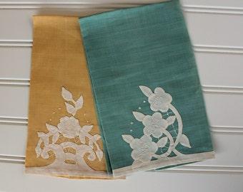 Vintage Finger Tip Towels - Tea Towels - Green Yellow - Hand Appliqued, Pair
