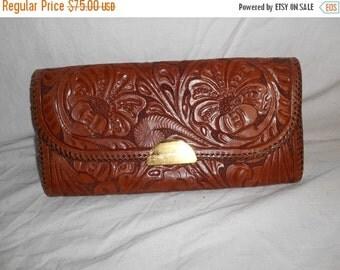 SALE  30s 40s tooled leather vintage clutch purse bag