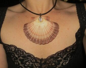 Unusual Vintage Handmade Huge Shell Pendant Beach Summer Jewelry