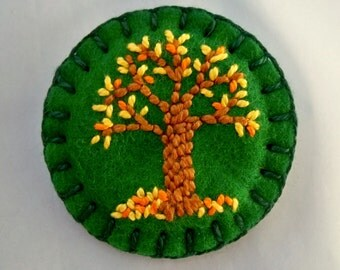 Tiny Tree Brooch - Pin - Hand Embroidered Felt