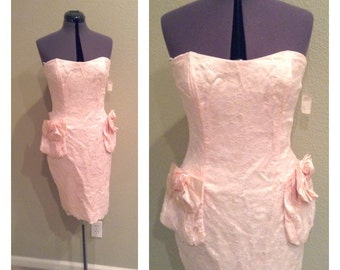 Vintage 80s pink lace and bows coctail dress ~ evening wear ~ prom ~ pretty in pink