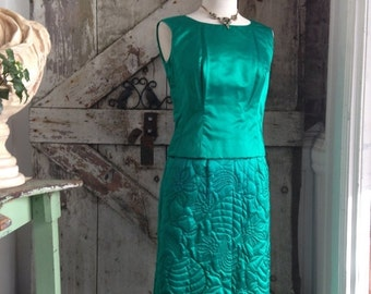 Fall sale 1960s emerald green cocktail dress 60s 3 piece set Vintage silk dress Dynasty quilted jacket