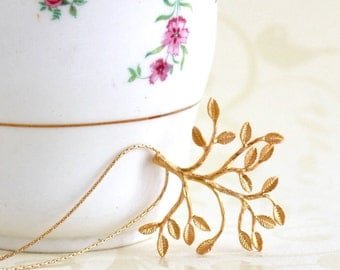 Gold Branch Necklace - Delicate Branch Necklace - Nature - Gold Jewelry - Branch Pendant - Golden necklace - Girlfriend Gift