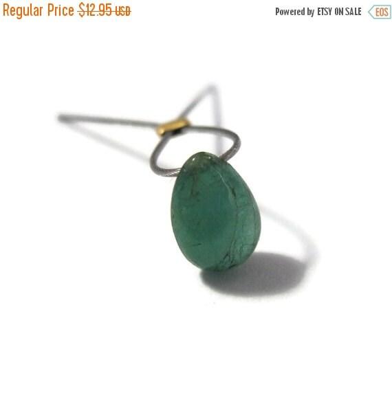 May SALE One Emerald Bead, 1 Smooth Green Round Briolette Gemstone, Single Green Stone, May Birthstone, 7.5mm x 5mm (L-Em4b)