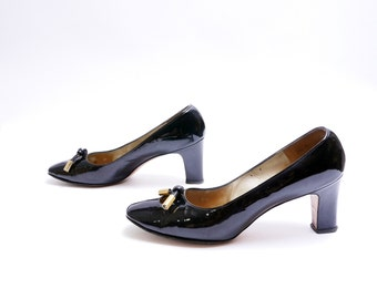 60s Cut Out Toe Toe Pumps // Knotted Leather Brass Accents // Black Patent Leather Pumps //  8.5