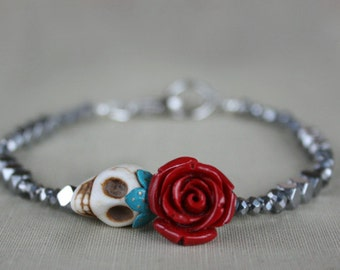 Skull beaded bracelet, gift for her, gift for girlfriend, gothic, dark romance, gift for daughter, goth, retro, Valentine's Day Gift