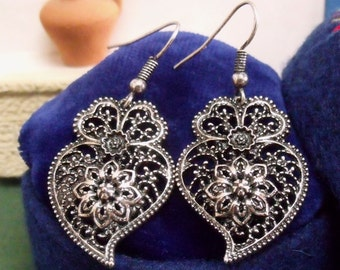 Portuguese folk Viana Heart mini earrings silver filigree