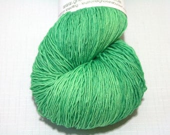 Hand Dyed Artisan Yarn, Tonal Kettle Dyed Heavy Lace Yarn, Contrast Splash SW Merino Yarn, Long Stride (750yds) - Flash Bang