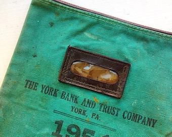 Money Bags... Vintage York Pennsylvania Canvas Money Bank Bag Zippered Pouch
