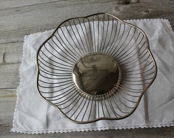 Silver Plated Easter Bread Basket, Tarnished Silver, Serving Dishes for Wedding Receptions and Family Gathering