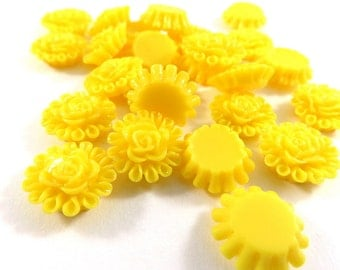 SALE - 25 Yellow Flower Cabochon Resin 13mm - No Holes - 25 pc - CA2012-Y25