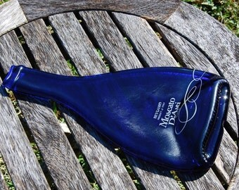 Cobalt Blue Wine Bottle Cheese Board - Eco-Friendly Moscato D'Asti Bottle - Cheese Spreader