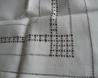 VINTAGE White Drawn Work Linen Table Topper Cloth  A